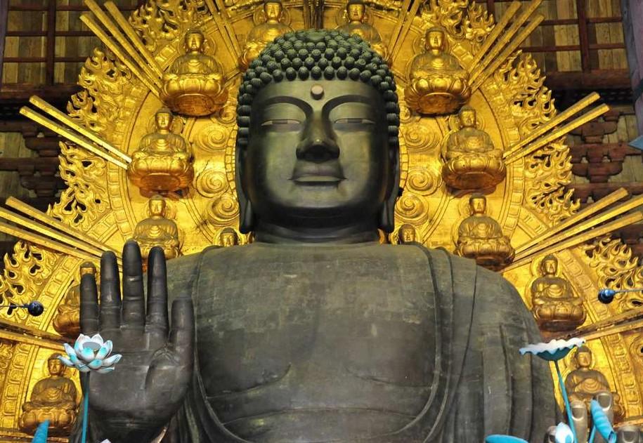 奈良県・東大寺の大仏殿にとんでもない過去が!?大仏さんの「柱の穴・鼻の穴と屋根・瓦」 の「由来・意味・歴史」