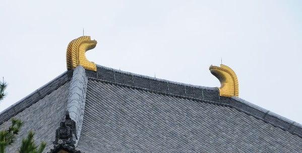 東大寺の3つの不思議【その3】・大仏殿の金ピカの「角」 (2)