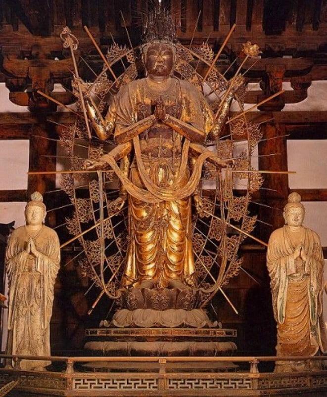 東大寺・三月堂の見どころ【その2】「ご本尊・不空羂索観音立像」