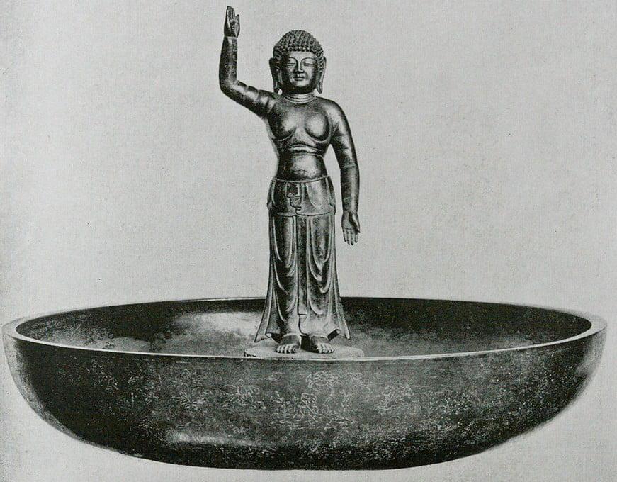 奈良 東大寺・「銅造 誕生釈迦仏立像(灌仏盤)」【国宝】